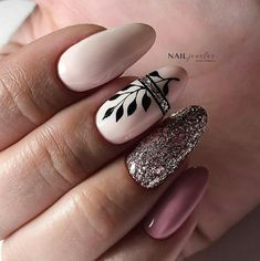 Semi-permanent varnish, false nails, patches: which manicure to choose? - My Nails Dream Nails, Love Nails, Pink Nails, Stylish Nails, Trendy Nails, Nail Manicure, Gel Nails, Nagellack Design, Toe Nail Designs