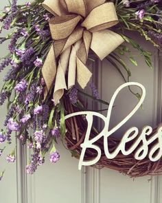 Farmhouse wreath decor, blessed, fall wreath, summer wreath Fine leaf wreaths embroidered on linen – 10 minutes DIY Christmas Wreaths For Front Door, Christmas Diy, Christmas Decorations, Diy Spring Decorations, Summer Door Wreaths, Wreath Crafts, Diy Wreath, Wreath Ideas, Monogram Wreath
