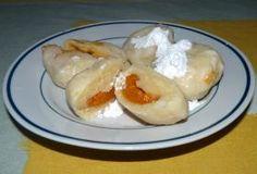 meruňkové knedlíky z krupicového těsta