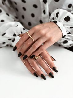 34 Trendiest and Newest Almond Nail Design You Must Have. Almond Nails Designs are a favorite style in the realm of manicure. Black Almond Nails, Short Almond Nails, Black Nails Short, Fall Almond Nails, Natural Almond Nails, Almond Shape Nails, Black Acrylic Nails, Almond Acrylic Nails, Dark Gel Nails