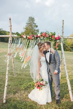 colorful boho wedding at Historic Cedarwood - photo by Teale Photography http://ruffledblog.com/colorful-boho-wedding-at-historic-cedarwood