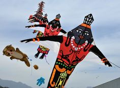 kite flying on india independence day, images Activities In Cape Town, India For Kids, Indian Independence Day, Kite Flying, Picnic Area, Places Of Interest, Upcoming Events, Tigger, Deer