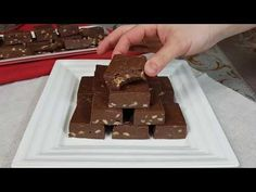 Ciocolata de casa cu alune/Catalina Farcas - YouTube Romanian Desserts, Sweets, Candy, Videos, Youtube, Food, Gummi Candy, Essen, Goodies