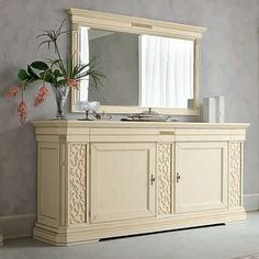 Vintage, classic style 'Brigitte' dressing table. Perfect for hallway, bedroom, living room. The mirror is beautiful and everything is very high quality. My Italian Living.