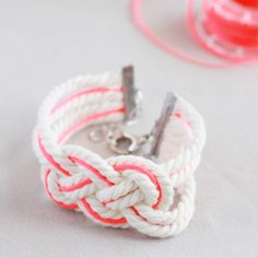 {DIY} NAUTICAL KNOT BRACELET