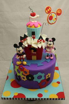 Mickey Mouse Clubhouse cake in lovee Bolo Do Mickey Mouse, Mickey Mouse Clubhouse Cake, Mickey And Minnie Cake, Bolo Minnie, Mickey Cakes, Minnie Mouse Cake, Baby Cakes, Girl Cakes, Cupcake Cakes