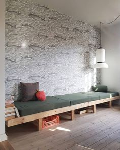 Make your own DIY daybed using common items like cushions, wood furniture legs, and an old door. Home Living Room, Living Spaces, Diy Daybed, Sweet Home, Interior Architecture, Interior Design, Diy Casa, Diy Furniture, House Design