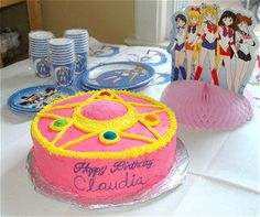 Oh, man. This would have made me the HAPPIEST KID IN THE WORLD if I'd ever had a SM-themed birthday!! Too bad about all the icky food coloring...