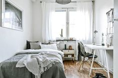 Awesome Minimalist Dorm Room Decor Inspirations on A Budget. Minimalist Bedroom You can get additional details at the image link. Minimalist Dorm, Modern Minimalist Bedroom, Minimalist Apartment, Minimalist Home Decor, Modern Bedroom, Minimalist Interior, Minimalist Style, Minimalist Lifestyle, Minimalist Kitchen