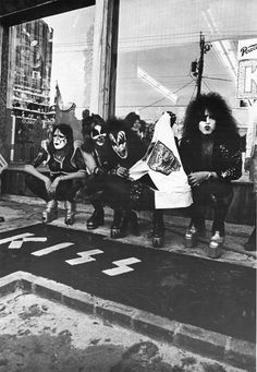 Somewhere In Time Kiss Images, Kiss Pictures, Paul Stanley, Los Kiss, Detroit Rock City, Music Collage, Eric Carr, Peter Criss, Vintage Kiss