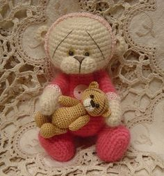 Thread Crochet Maggie and MiNi TeDDY Bear Pattern in Pink Jammies (word doc) by Heather Stoneking