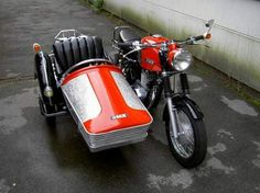 MZ and sidecar Vintage Motorcycles, Cars And Motorcycles, Moto Collection, Beast From The East, Old Bikes, Love Car, Motogp, Motorbikes, Automobile