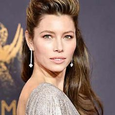 "Jessica Biel from Best Beauty at the 2017 Emmy Awards Celebrity stylist Adir Abergel created ""a sexy, voluminous, era style with cascading waves, inspired by Valley of the Dolls and Barbarella,"" he stated in a press release. Jessica Biel, Best Wedding Hairstyles, Celebrity Hairstyles, Down Hairstyles, Balayage Bob, Wedding Makeup Tips, Natural Wedding Makeup, West Palm Beach, Pixie"