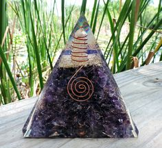 Items similar to Purple Amethyst Crystal Orgone Pyramid on Etsy Diy Crystals, Crystals And Gemstones, Stones And Crystals, Rock Crafts, Resin Crafts, Amethyst Crystal, Purple Amethyst, Cool Diy Projects, Rocks And Minerals