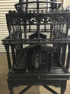 Early 20th Century English Bird Cage with Dome Top 3