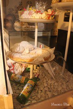 Gin & Pastissets (biscuits),   Sant Joan Fiesta Ciutadella de Menorca via Flickr.