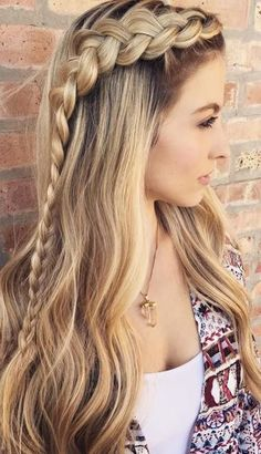 The Ultimate Hairstyle Handbook Everyday Hairstyles for the Everyday Girl Braids, Buns, and Twists! Step-by-Step Tutorials