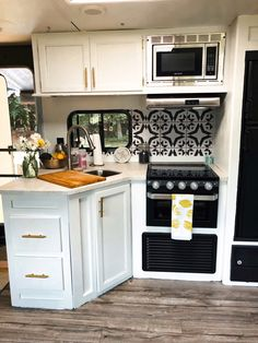 But in the very front of the bus.and a dumbwaiter in a cabinet. Tiny House Living, Rv Living, Small Living, Home And Living, Camper Van, Camper Life, Rv Life, Rv Makeover, Cool Campers