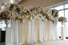 Flowers of Charlotte loves this! Find us at Decoration Evenementielle, Backdrop Decorations, Ceremony Decorations, Flower Decorations, Backdrops, Wedding Mandap, Wedding Stage, Wedding Ceremony, Dream Wedding