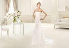 Pronovias te presenta el vestido de novia Urke. Fashion 2013.   Pronovias