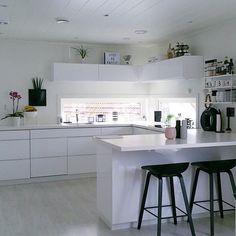 @blackwhite.interior op Instagram: 'Beautiful kitchen  Credit: @marian_valland