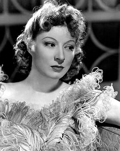 Eileen Evelyn Greer Garson, CBE September 1904 – 6 April was a British-American actress popular during the Second World War, being listed by the Motion Picture Herald as one of America's top-ten box office draws from 1942 to Classic Actresses, British Actresses, British Actors, Hollywood Actresses, Beautiful Actresses, Hot Actresses, Best Actress Award, Best Actor, Iconic Movies
