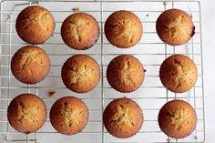 Persimmon Spice Amish Friendship Bread Cupcakes ♥️ friendshipbreadkitchen.com