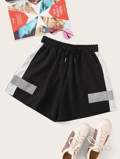Shop Contrast Panel Drawstring Waist Shorts at ROMWE, discover more fashion styles online. Romwe, Best Running Shorts, Big Thighs, Type Of Pants, Athletic Shorts, Drawstring Waist, Fashion News, Elastic Waist, Contrast