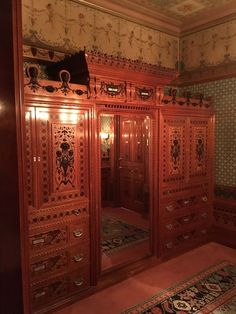 Built In Fittings In The Worsham Rockefeller Dressing Room As Installed At  The Metropolitan