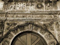 Quintodecimo, Portale Chiesa del SS. Crocifisso, 1562 - Marche, Italy
