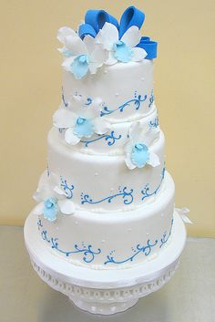 Blue orchids cake