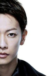 Takeru Sato Arona, The Rouge, Takeru Sato, Rurouni Kenshin, Japanese Boy, Monica Bellucci, Asian Actors, Asian Boys, Live Action