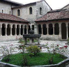 Follina Treviso Verona, Venice, Nature Photography, Mansions, House Styles, Beautiful, Tourism, Italia, Manor Houses