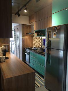 Cozinha azul tiffany com madeira. Parte I