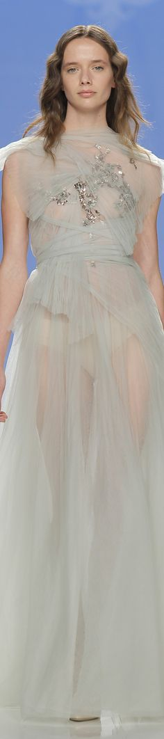 Marco y Maria spring 2018 Barcelona Bridal Fashion Week