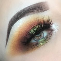 "1,068 Me gusta, 4 comentarios - Amberd (@anubismakeup) en Instagram: ""Look details: Brows @lasplashcosmetics brow Mousse Shadows @pinkyrosecosmetics transition…"""