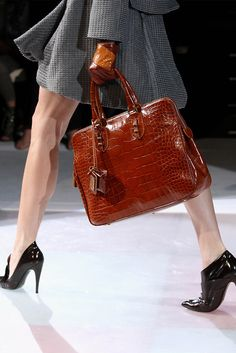 beautiful structured bag <-- That bag!!!