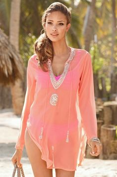 Sparkling neon tunic swimwear cover ups, swimsuit cover, pompoms, bathing suit Swimwear Cover Ups, Swimsuit Cover Ups, Moda Crochet, Dress Outfits, Cute Outfits, Unique Clothes For Women, Look Boho, Beach Attire, Boho Fashion