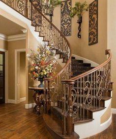 Tuscan design – Mediterranean Home Decor Decorating Stairway Walls, Staircase Wall Decor, Entryway Decor, Curved Staircase, Staircase Design, Tuscan Decorating, Interior Decorating, Decorating Ideas, Tuscan Wall Decor