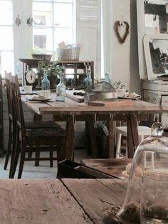 Old table, gammelt træ bord på bukke. Fransk landstil og vintage. Hvidt & Slidt, Studiestræde 3, 4300 Holbæk