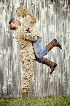 Love this seeing military couples together makes me happy! I wanna do a photoshoot where he wears his cammies and blues for some pictures! Military Couples, Military Love, Army Love, Military Photos, Cute Military Pictures, Military Marriage, Bad Marriage, Military Families, Military Couple Photography