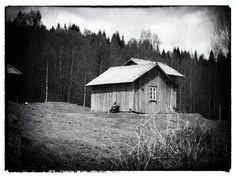 Bilderesultat for børli bilder Cabin, House Styles, Home Decor, Pictures, Homemade Home Decor, Cabins, Cottage, Decoration Home, Cubicle