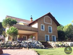 Impecable chalet independiente de 385m2 en parcela de 1260 m2 en Torrelodones Ref. 0136