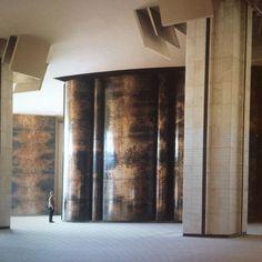 Axa Headquarters in Brussels: 800 m2 of sculpted walls. Pierre SABATIER in 1969.