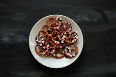 valentines pretzels   Rezept für salzig-süße Schokobrezeln. Eine leckere Idee für den Valentinstag.  goodiys.com