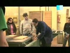 Curso de carpinteria - Cap. 9 (Muebles laminados 1ra parte) - Visita el tema en el Foro: http://www.hechoxnosotrosmismos.com/t12515-curso-de-carpinteria-on-line-clase-9-muebles-laminados-primera-parte - Aparte hay mucho más para aprender, busca lo que estés necesitando.