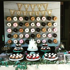 How yummy is this #donut and cupcake #dessert bar for your wedding reception? #weddingideas #donuts #donutbar #desserttable #partyideas #food #nomnom #shaadibazaar #wedding #indianwedding