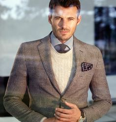 Hell yeah, I love when blazer goes over the sweater, so sophisticated! Love the cable sweater! Men's Fashion Brands, Mens Fashion Blog, Fashion Outfits, Lifestyle Fashion, Ladies Fashion, Gentleman Style, Southern Gentleman, Suit And Tie, Well Dressed Men
