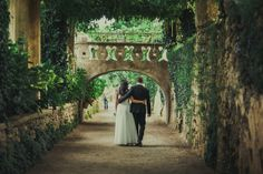 Destination Wedding at Villa Cimbrone, Ravello by Photographer Oli Sansom - Full Post: http://www.brideswithoutborders.com/inspiration/destination-wedding-in-ravello-italy-by-oli-sansom