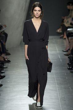 Kendall Jenner for Bottega Veneta Spring/Summer 2015 ready-to-wear #MFW #Milan #FashionWeek